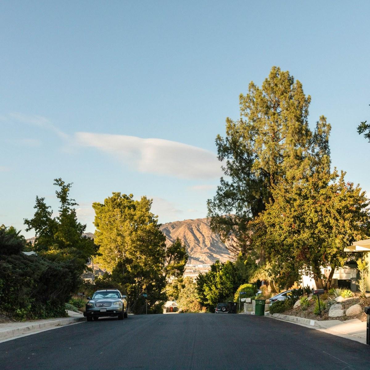 Granada hills los angeles ca neighborhood guide trulia - Los angeles granada ...