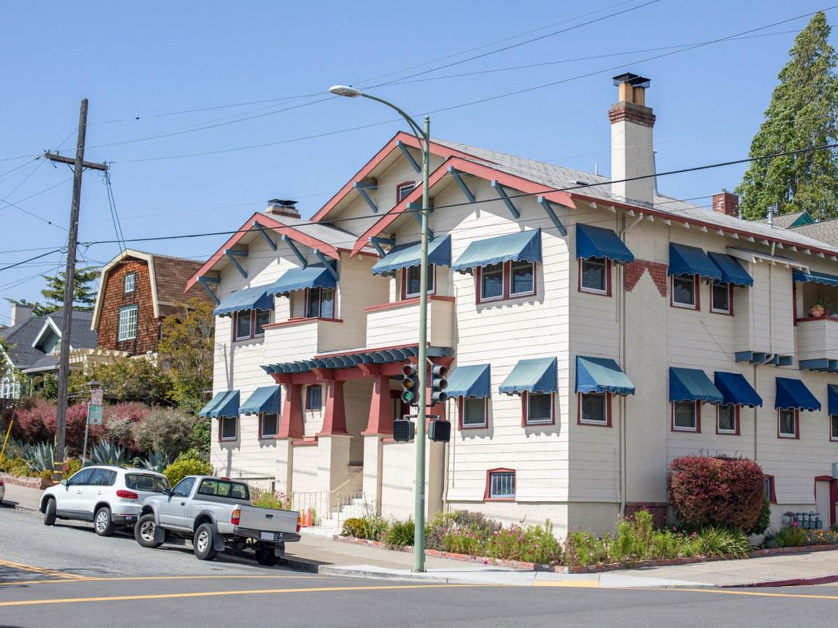 Piedmont Avenue Oakland Ca Neighborhood Guide Trulia